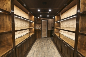 boot showcase trailer living quarters 001