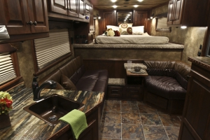 cherry alder brandy trailer living quarters 002