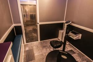 custom fitness trailer interior 004