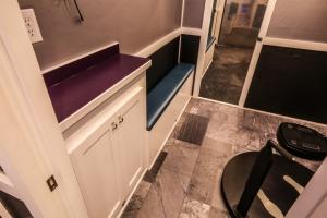 custom fitness trailer interior 019