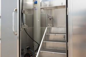 03-Mobile-Command-Center-Mast-Compartment
