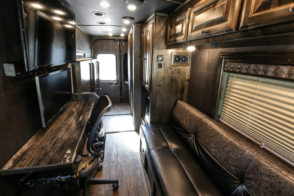 van conversion trailer living quarters 001