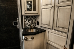 horse-trailer-with-white-black-glaze-cabinets-07
